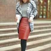 С чем можно носить кожаную юбку-карандаш?