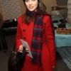 С чем носить красное пальто, чтобы не выпасть из модной обоймы?