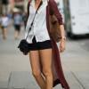 С чем носить бордовые туфли? (30 фото)