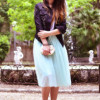 С чем носить голубую юбку, чтобы выглядеть женственно?