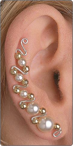 А эти крепятся на ушной дуге.  В целом если серьги красивые, можно и вторую дырку в ухе сделать.