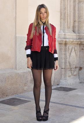 Какие колготки подойдут к черной юбки