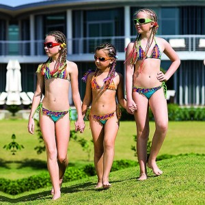 Фото девочки голышом на пляже фото 192-77