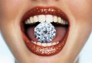 украшение в зуб