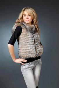 Меховые жилеты с чем носить