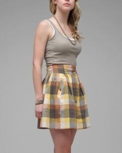 c чем носить клетчатую юбку