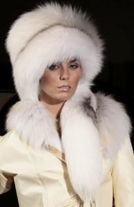Модные меховые шапки 2014 года