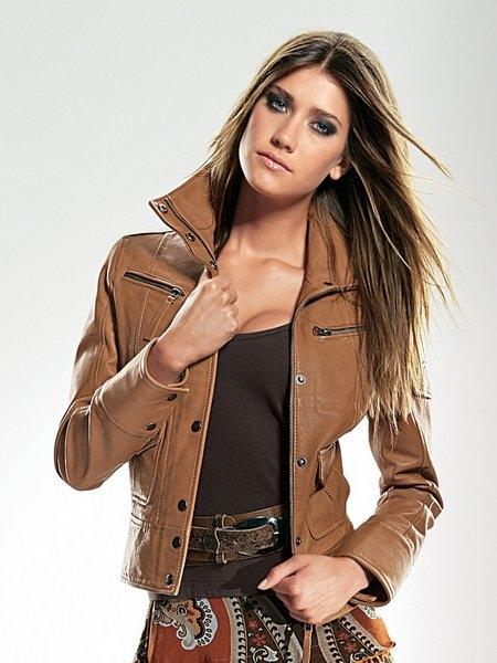 Кожаные куртки сезона весна