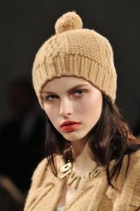 модные шапки осень 2012