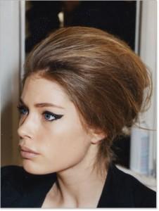 прическа для средних волос на каждый день