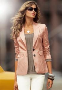 с чем носить розовый пиджак