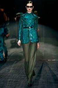 как и счем носить зеленый пиджак?