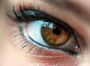 изменение цвет глаз без линз