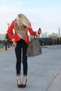 красный пиджак с чем носить