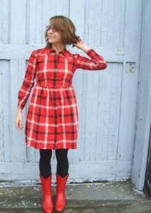 Красные сапоги с чем носить