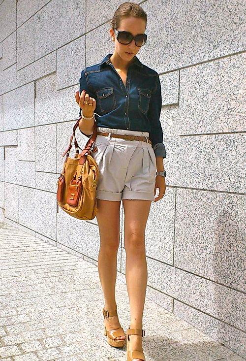 джинсовой рубашки и легкого платья с