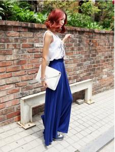 длинные синие брюки