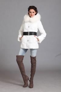 Белый пуховик с чем носить