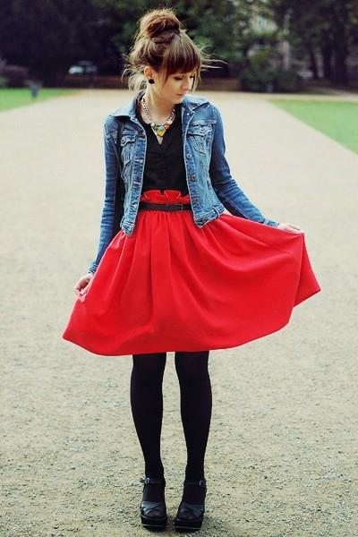 Колготки под красную юбку