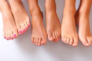 Как выглядит грибок на ногах