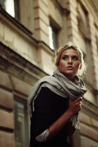 с чем носить шарф