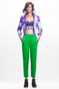 зеленый брюки с чем носить
