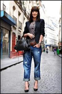 неформальный стиль с джинсами и пиджаком