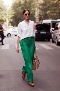 брюки зеленого цвета