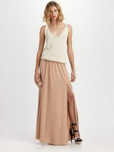 сочетание бежевой юбки с белым