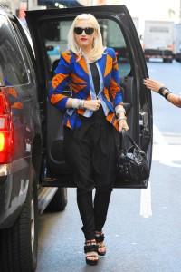 синий пиджак с чем носить