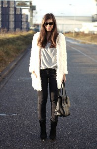 Outfit cream fur long coat+mango suede point boots