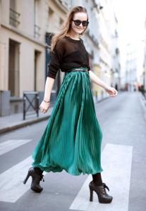 сочетание изумрудного цвета в одежде