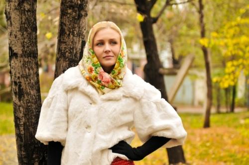 Как носить платок с шубой фото