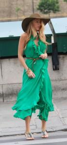 С чем носить платье зеленого цвета