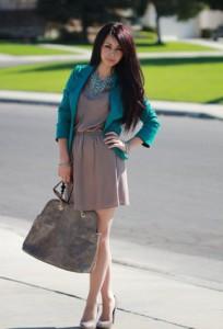 бежевое платье фото