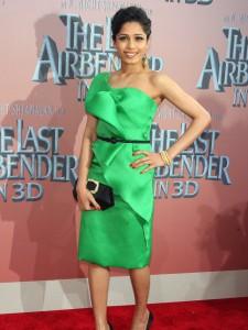 С чем носить зеленое платье фото