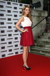 красная юбка фото
