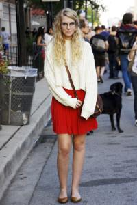 С чем одеть красную юбку фото