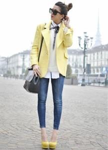 пиджак желтого цвета фото