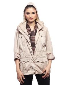 куртка бежевого цвета