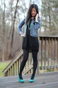 как носить джинсовку с платьем