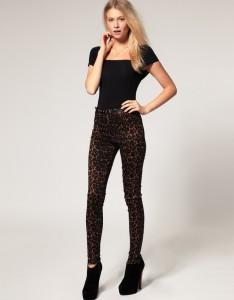 С чем носить леопардовые леггинсы