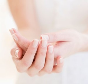 Как в домашних условиях сделать маникюр на коротких ногтях