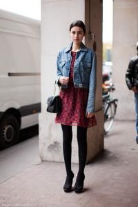 джинсовая куртка с платьем  фото