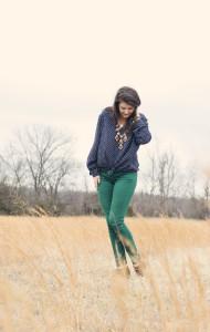 джинсы зеленого цвета
