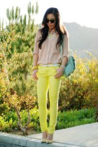 джинсы желтого цвета