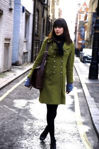 с чем носить пальто зеленого цвета фото