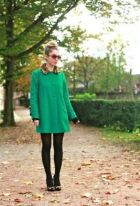 пальто зеленого цвета фото