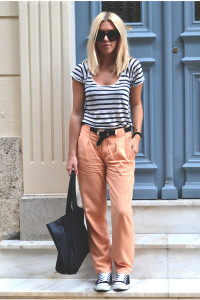 брюки оранжевого цвета фото