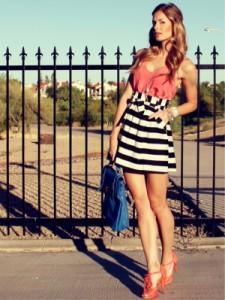 С чем носить юбку в полоску  фото
